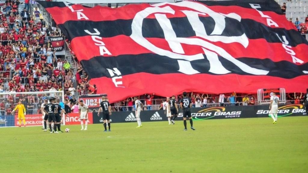 Jurídico pede que a torcida Fla USA pare imediatamente de utilizar as marcas do CRF e o nome Flamengo