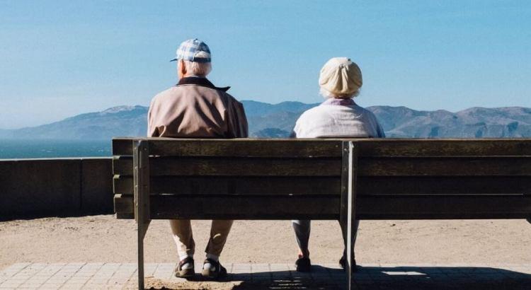 Как заработать пенсионеру в интернете