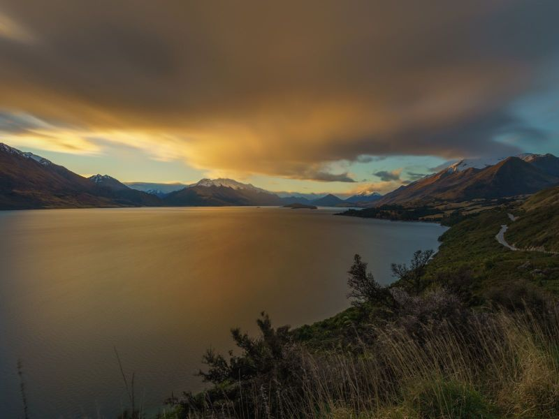 Lago cerca de Queenstown, New Zealand