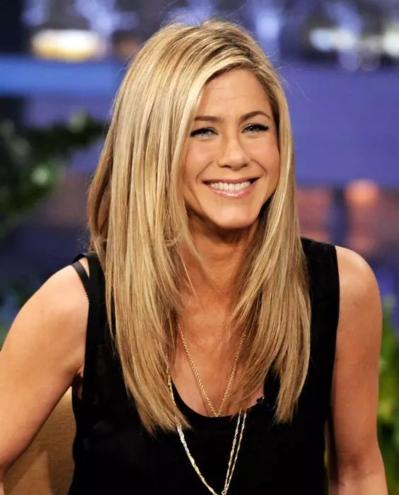Jennifer Aniston Height, Weight, Age and Full Body Measurement