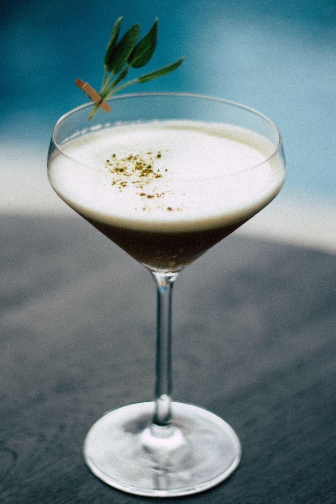 En attendant le dîner en blanc – Alexander sans alcool version Nespresso, serialfoodie, Nespresso, afroepcurienwebzine, les bons plans de serialfoodie