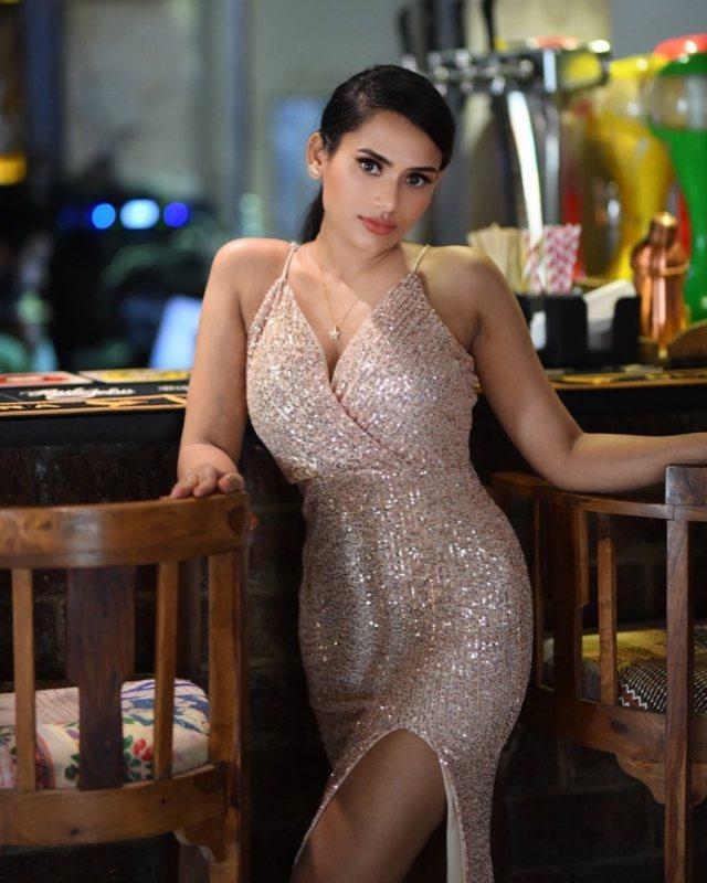 Shweta Kharat Bold Photo