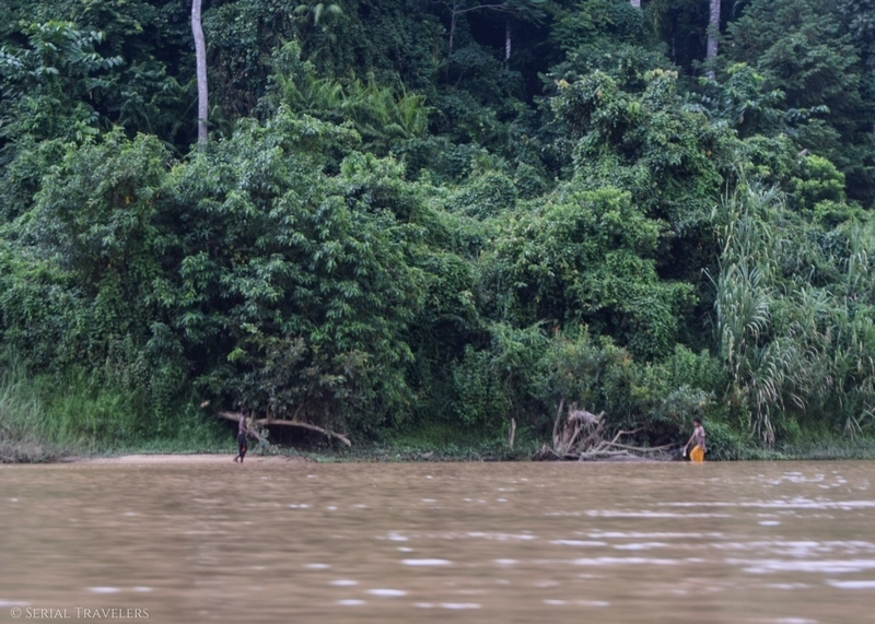 serial-travelers-malaisie-taman-negara-orang-asli-negritos-along-river-tembeling