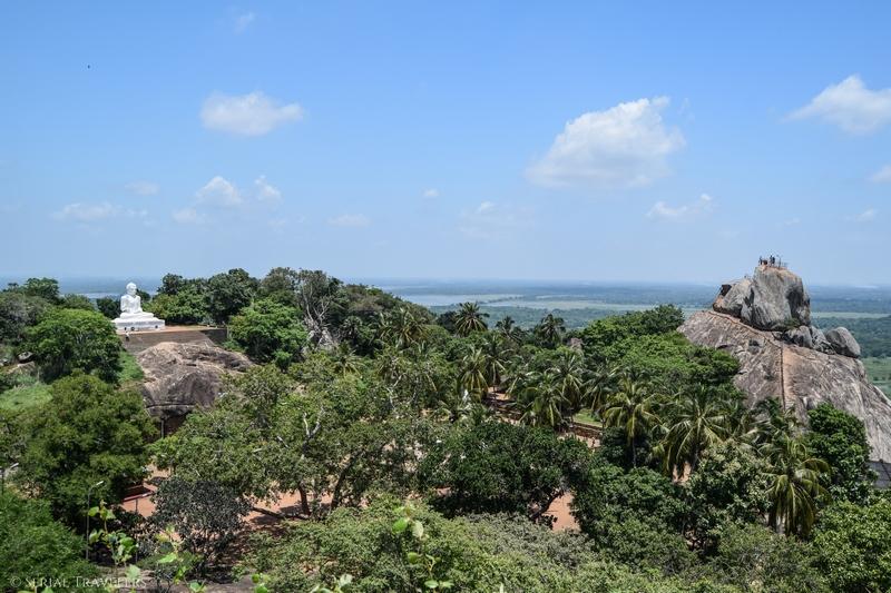 serial-travelers-sri-lanka-minhintale-view-temple