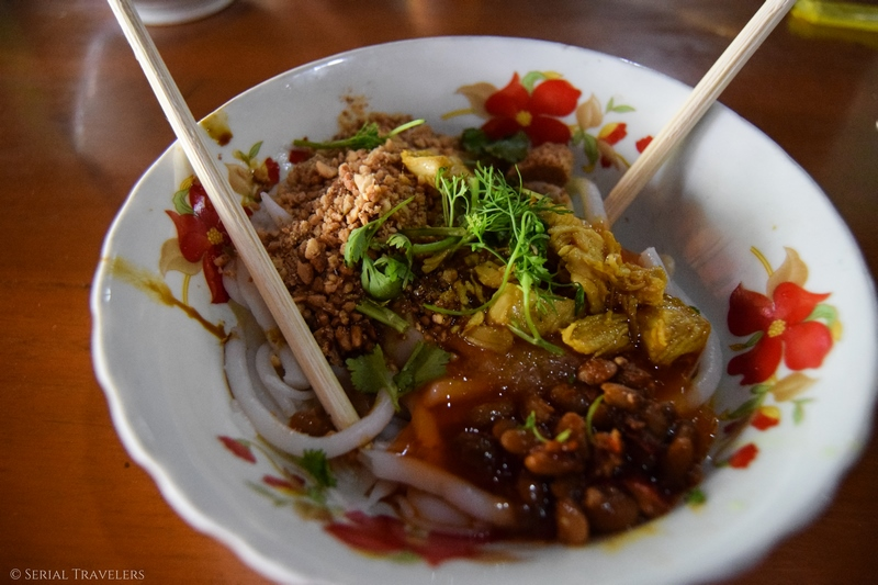 serial-travelers-myanmar-bagan-noodles-Mandalay-way