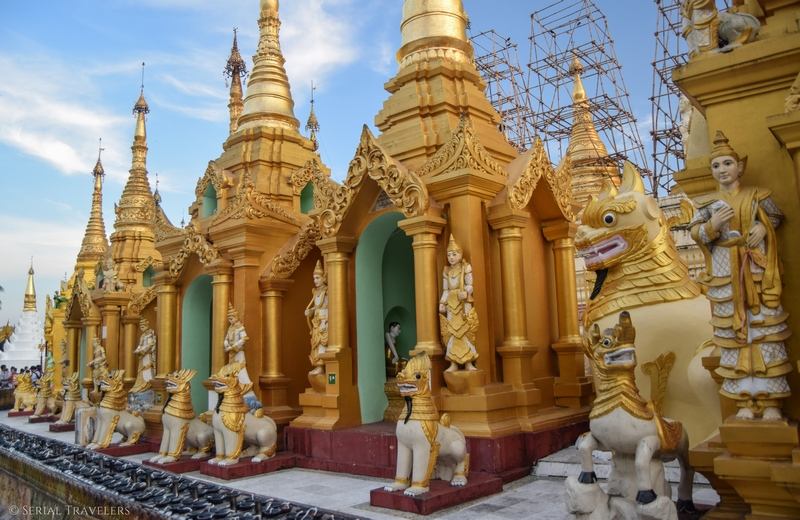serial-travelers-myanmar-que-faire-a-yangon-rangoun-pagode-shwedagon-plus-grande-pagode-ciel-bleu-blue-sky-5