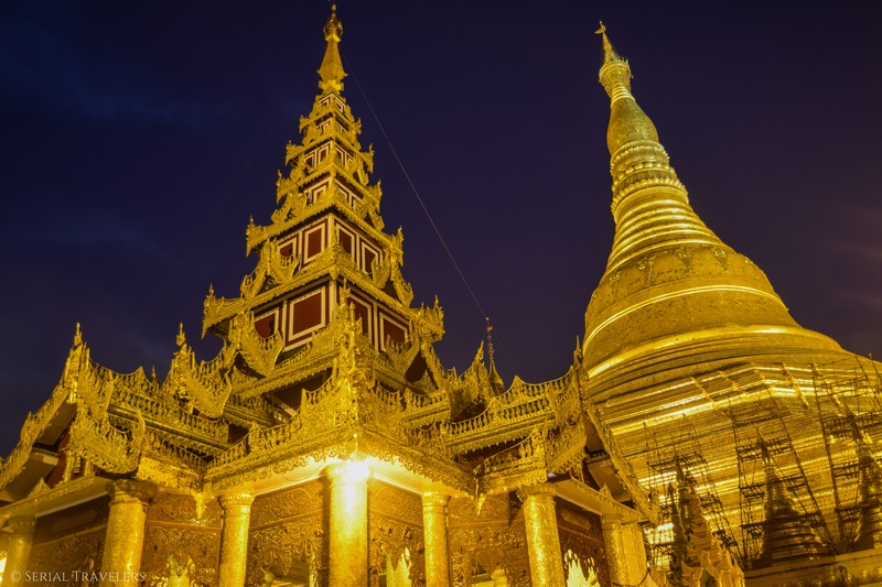serial-travelers-myanmar-que-faire-a-yangon-rangoun-pagode-shwedagon-plus-grande-pagode-night-nuit-5