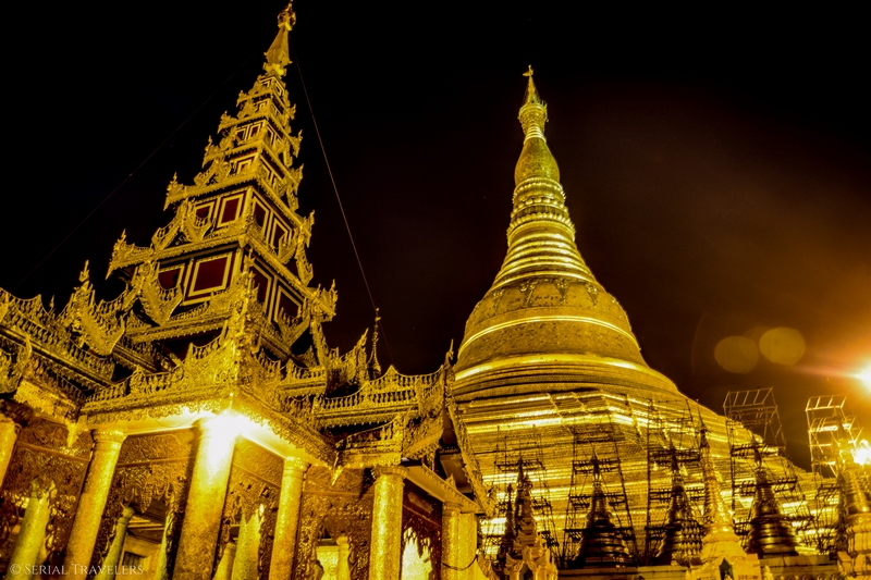 serial-travelers-myanmar-que-faire-a-yangon-rangoun-pagode-shwedagon-plus-grande-pagode-night-nuit-6