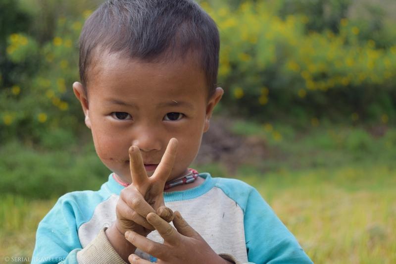 serial-travelers-myanmar-trek-kalaw-inle-sam-family-portrait-bebe-champs