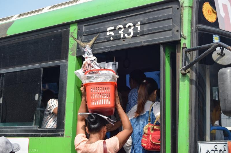 serial-travelers-myanmar-yangon-bus-local-birman-poisson-marchand