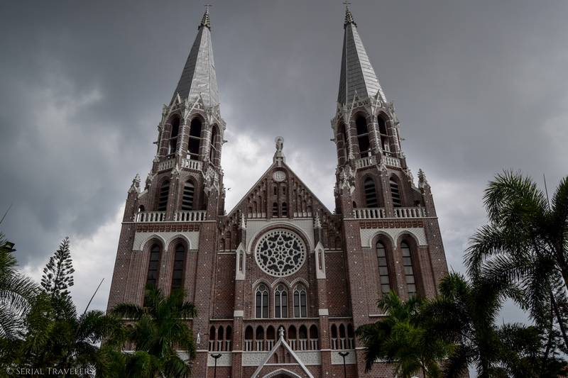serial-travelers-myanmar-yangon-monument-quartier-colonial-eglise-church-saint-mary-cathedral