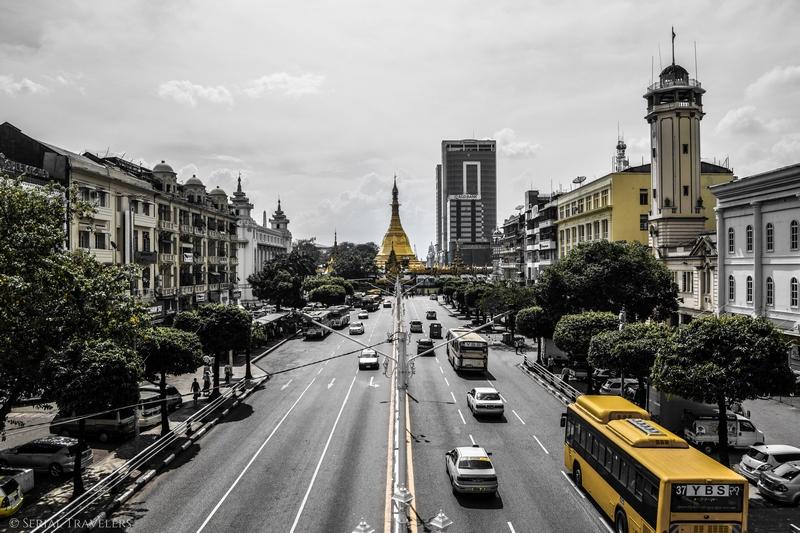 serial-travelers-myanmar-yangon-monument-quartier-colonial-pagode-sule-rue-2