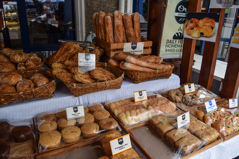 serial-travelers-blog-voyage-asie-laos-luang-prabang-boulangerie-pain-viennoiserie
