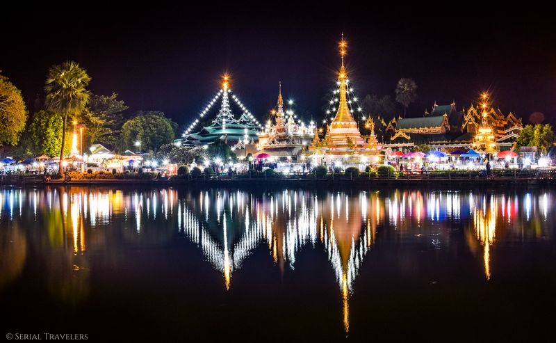 serial-travelers-thailande-nord-incontournable-que-faire-boucle-chang-mai-trajet-mae-hong-son-night-nuit-lac-temple-reflet
