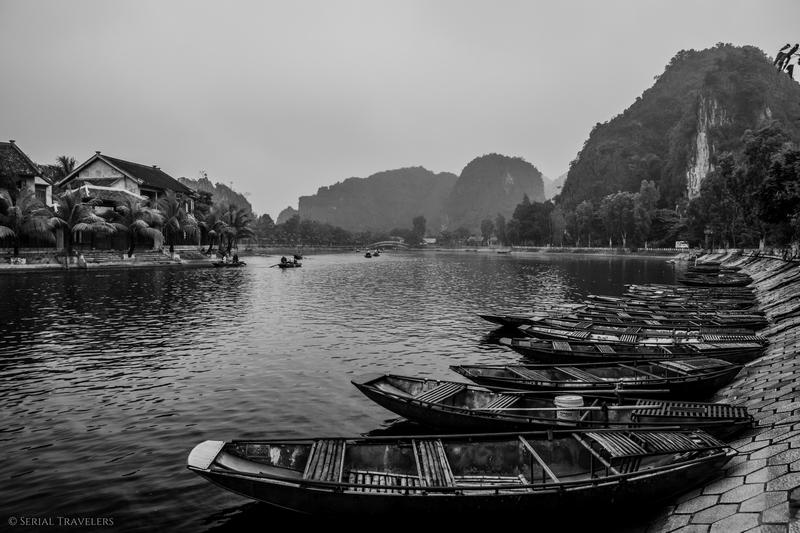 serial-travelers-vietnam-ninh-binh-tam-coc-river-riviere-bateau-pirogue