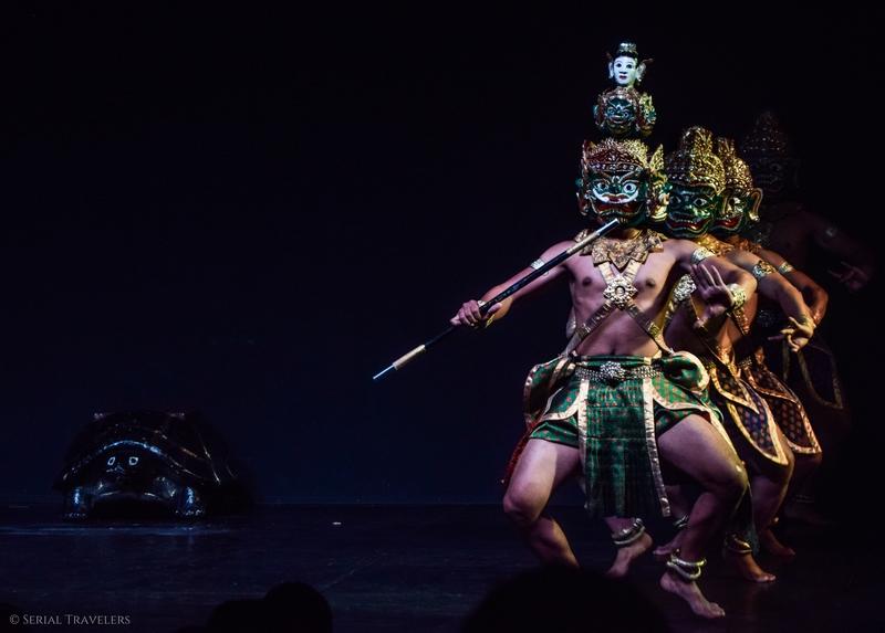serial-travelers-cambodge-phnom-penh-apsara-dance-spectacle-musee-national-2