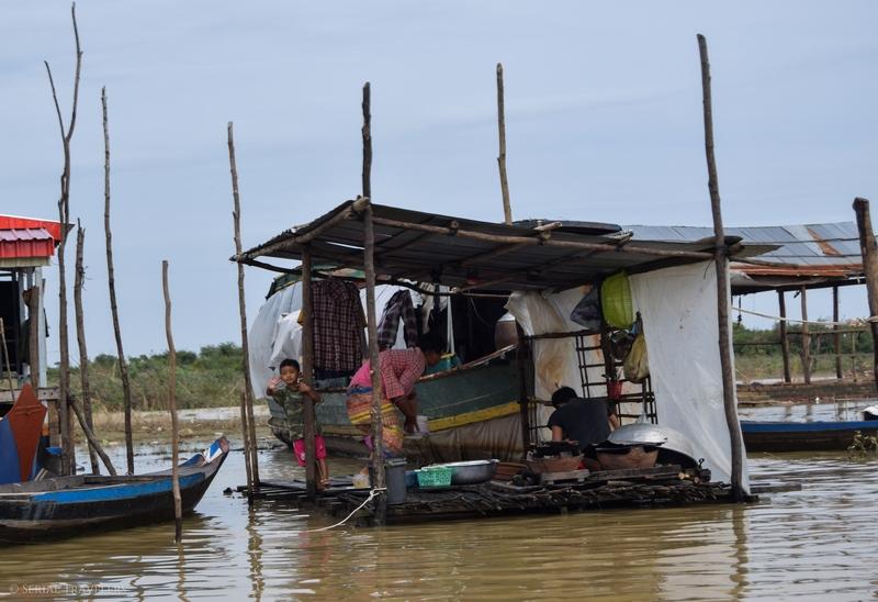 Découverte des villages flottants du Tonle Sap, en ralliant Siem Reap depuis Battambang en bateau