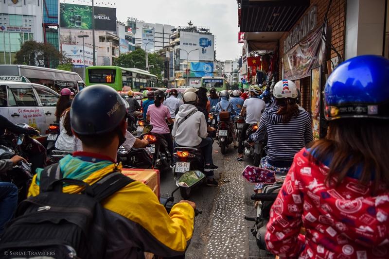 serial-travelers-vietnam-saigon-ho-chi-minh-trafic