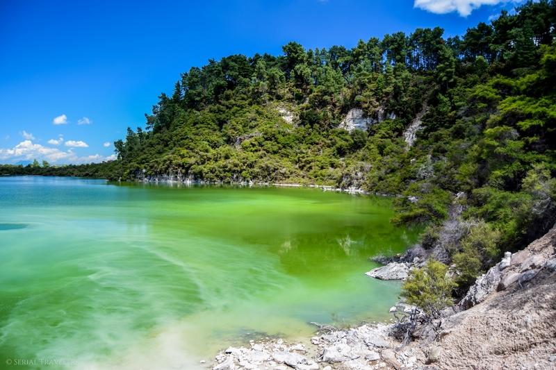 serial-travelers-nouvelle-zelande-wai-o-tapu-ngakoro-lake