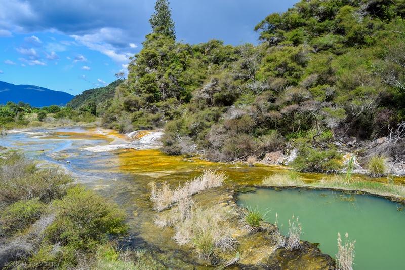 serial-travelers-nouvelle-zelande-waimangu-warbrick-terrace2