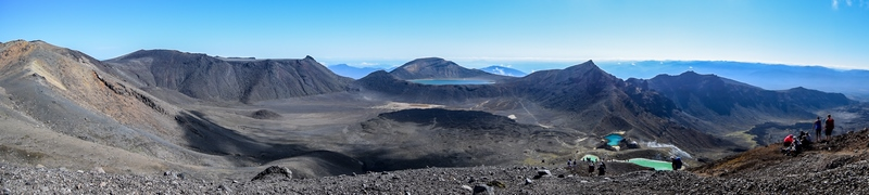 serial-travelers-tongariro-alpine-crossing-red-crater-summit-lakes-overview