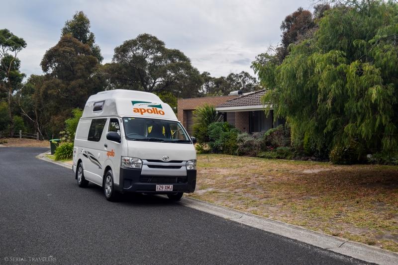 serial-travelers-australie-great-ocean-road-toyota-hiace-apollo-camper