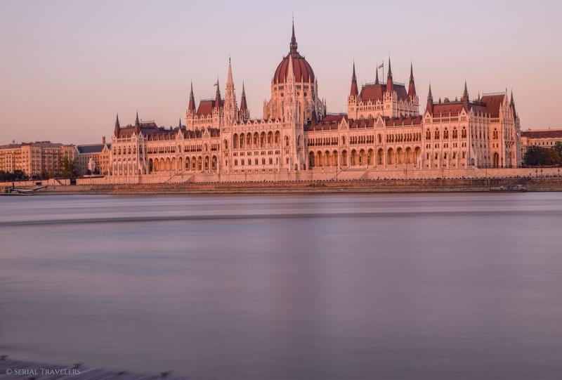 serial-travelers-budapest-parlement-hongrois-7