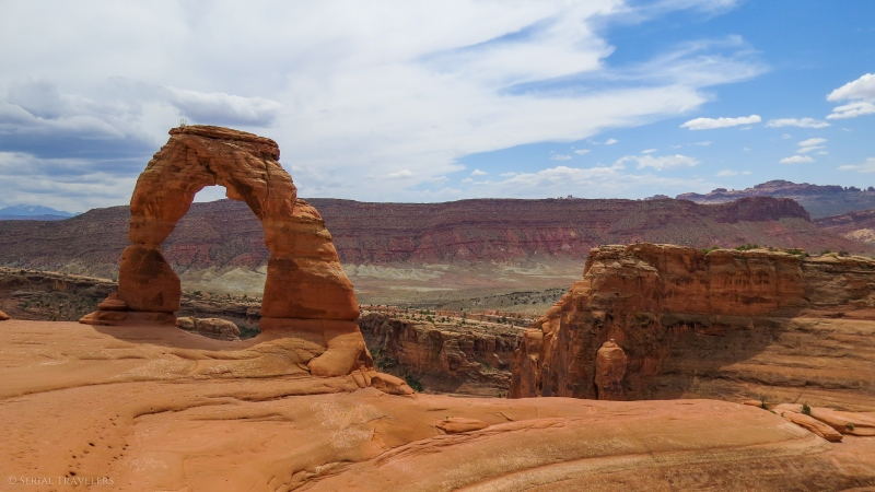 serial-travelers-ouest-americain-arches-national-park-delicate-arch-trail2