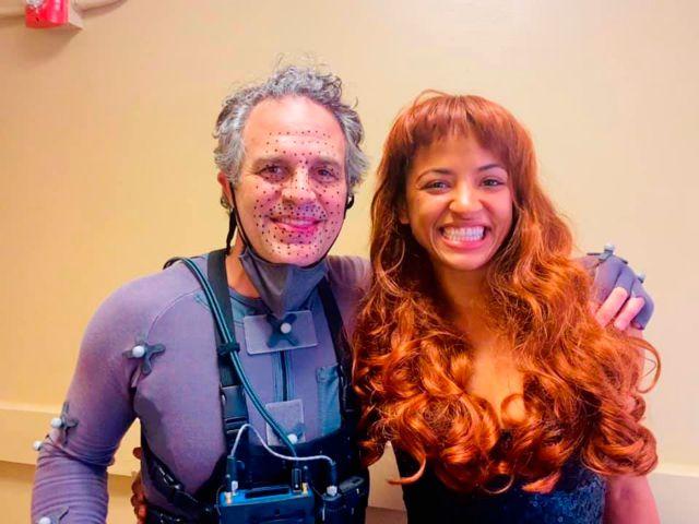 jameela jamil villana she-hulk (mark ruffalo en set)