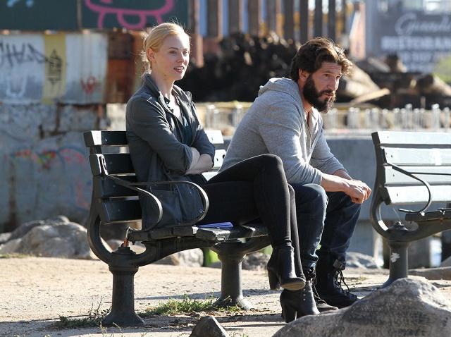 Deborah An Woll  e John Bernthal durante as filmagens de Justiceiro.