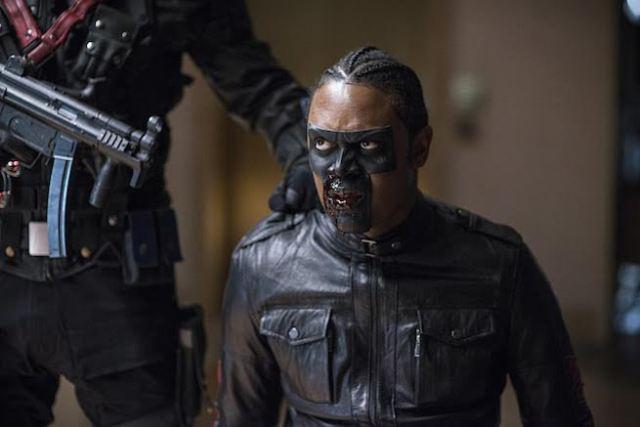 "Arrow -- ""Vigilante"" -- Image AR507b_0141b.jpg -- Pictured: Echo Kellum as Curtis Holt/Mr.Terrific -- Photo: Diyah Pera/The CW -- © 2016 The CW Network, LLC. All Rights Reserved."