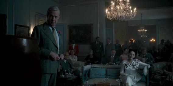 Em cena: os atores Alex Jennings (Duque de Windsor) e Lia Williams (Wallis Simpson) fundamentais ao episódio.