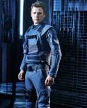 Christopher Egan es Alex Lannen.