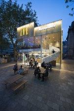 55764fece58eceaa2a0000c0_mcdonald-s-pavilion-on-coolsingel-mei-architects-and-planners_mei_mcdonalds_jeroenmusch_4263