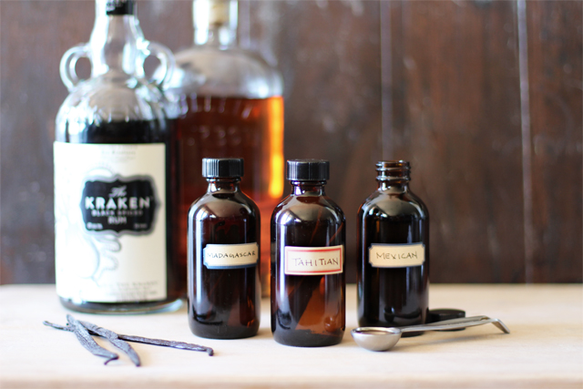 DIY Vanilla Extract on Weekend Finds // Serious Crust by Annie Fassler