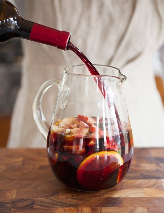 The best wine for your sangria // Weekend Finds on Serious Crust