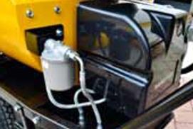 El filtro de combustible está en el exterior. La cabeza de combustión está dotada de pre-calentador de combustible. La cabeza de combustion esta dotada de pre-calentador de combustible.