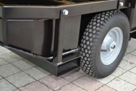 Grandes ruedas neumáticas, ranuras para carretilla elevadora robusto tanque de plástico para combustible.