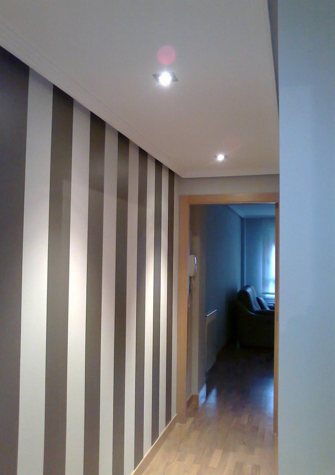 Pintura A Rayas Pasillo Reformas Y Decoraci N De Interiores En Le N ~ Colores Pintar Pasillo Y Entrada