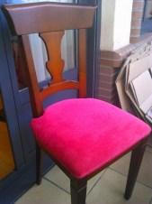 Tapizado de silla de comedor color frambuesa en tejido Aqua Clean Antimanchas