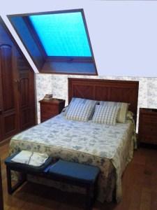 Fotomontaje colorido dormitorio