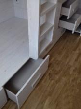 Cajones jugueteros bajo camas tren