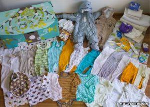 Bebês de todas as classes sociais dormem em caixas de papelão na Finalândia