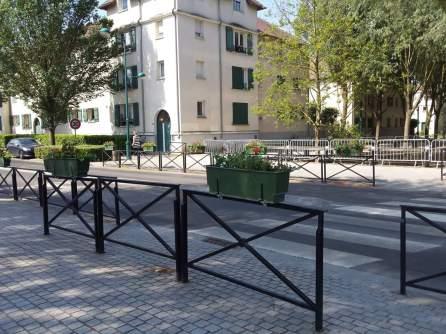 Passage pieton entre le gymnase Eric Tabarly et le Collège Madeleine Renaud