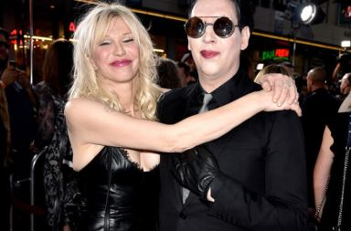 "Marilyn Manson ve Courtney Love ""Tattooed in Reverse"" Klibinde"