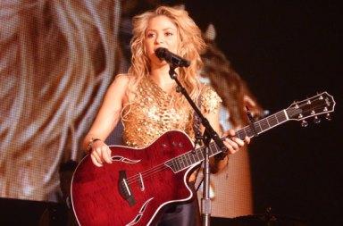Shakira-live-2010