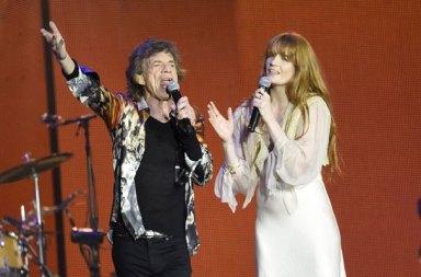 Florence Welch ve The Rolling Stones El Ele Aynı Sahnede