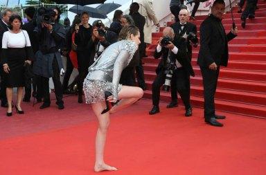 Kristen Stewart Cannes Film Festivalini Protesto Etti