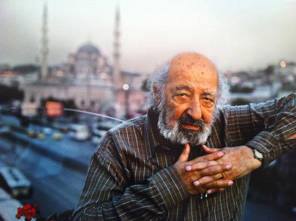 [:tr]Ünlü Foto Muhabir Ara Güler Hayatını Kaybetti[:en]Legendary Photographer Ara Güler Dies at 90[:]
