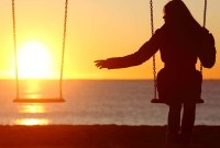 12 Cara Mengatasi Rasa Bosan Ketika Menjalani LDR